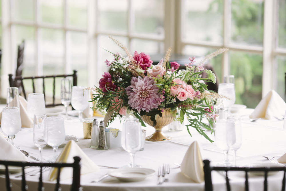 A Garden Party florist - South Jersey Wedding Florist - Historic Smithville Inn - Saltwater Studios - pink dahlias - lisianthus - blush wedding - garden wedding