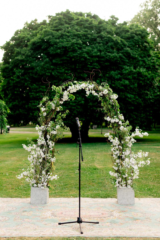 Horticultural center wedding, Philly wedding, spring garden wedding