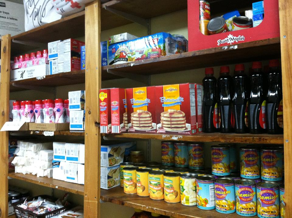 Food_pantry_shelves_02.jpg