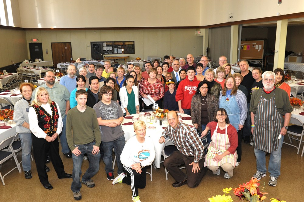 Thanksgiving_group_picture_SPUMC_2013_-009.JPG