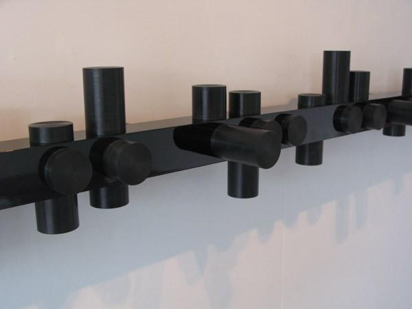 Anton Parsons  Myopia  (detail), 2008 Aluminium, lacquer & PVC 200 x 200 x 2400 mm [Private collection]  _______