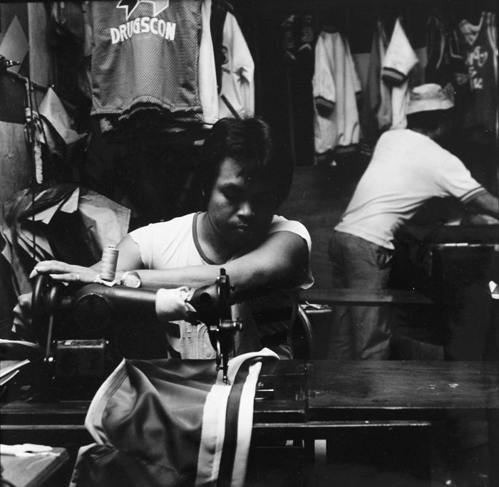 Ans Westra  Sweatshop, Mindanao, Philippines , 1986 Silver gelatin print 275 x 280 mm  _______