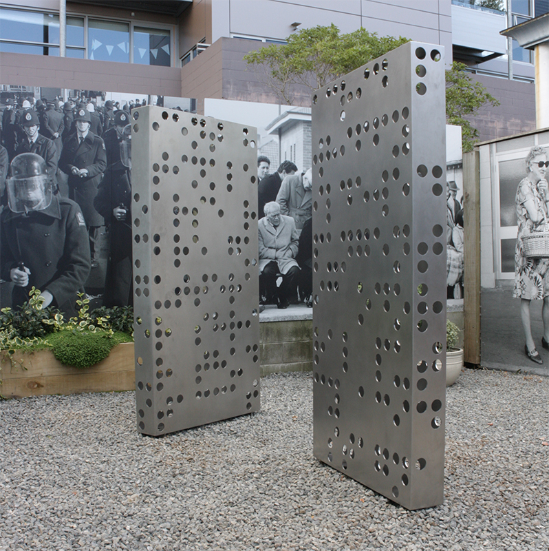 Anton Parsons  Audition and  Olfaction , 2016 Stainless steel Each 1840 x 910 x 610 mm  _______