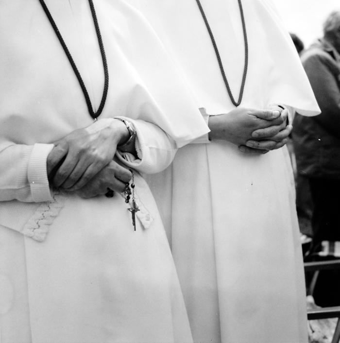 Ans Westra  Pope John Paul papal tour  ,  1986 Silver gelatin print 280 x 280 mm $6,500 incl. GST  _______