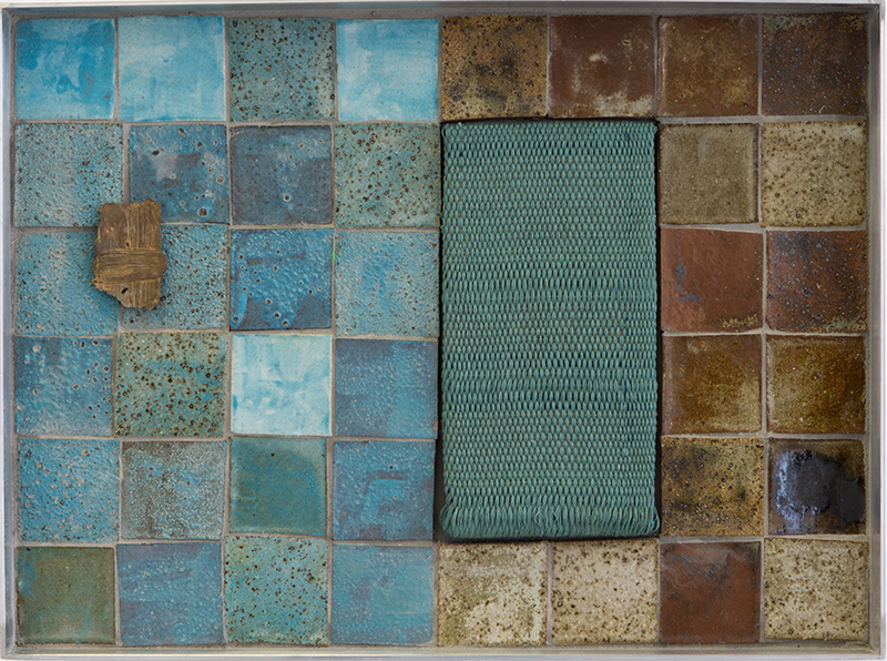Tia Ansell  Bundle II , 2018 Silk, linen, cotton and wool tapestry; stoneware tiles; bronze brooch; aluminium; grout and ply 450 x 340 mm [Private collection]  _______