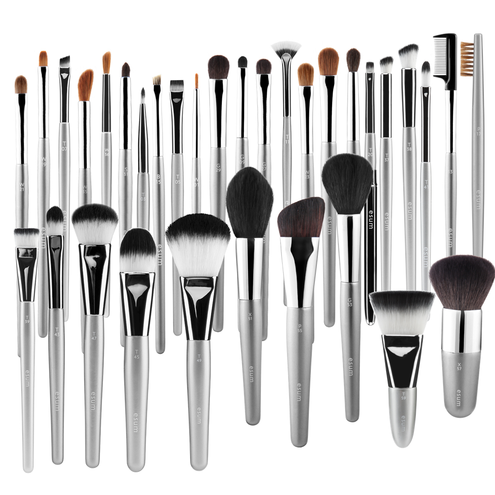 ESUM QUINTESSENTIAL BRUSH SET