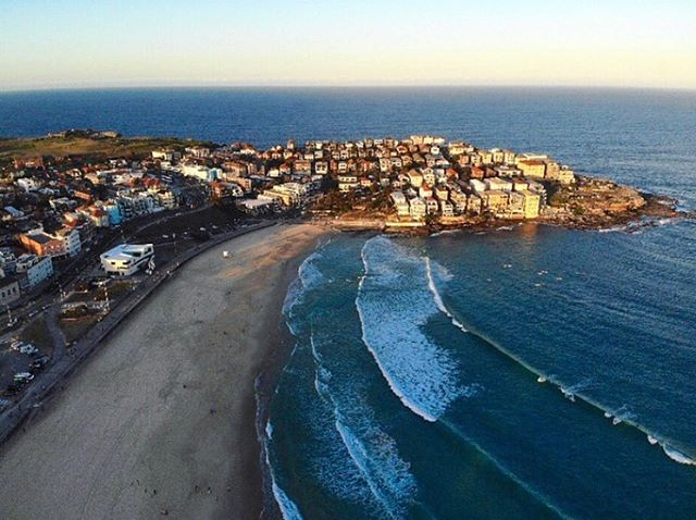 Hello Saturday 👋🏽 Pic: @bdeave #bondibeach #bondi #goodmorning #helloweekend #regram