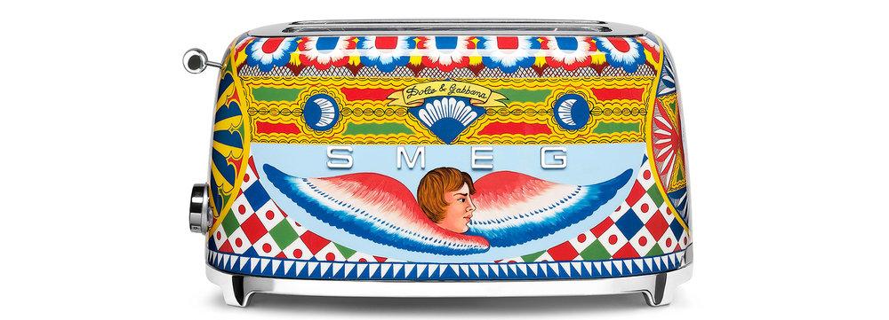dolce-gabbana-smeg-toaster-juicer-coffee-machine-blenders-milan-design-week-2017-designboom-1800.jpg