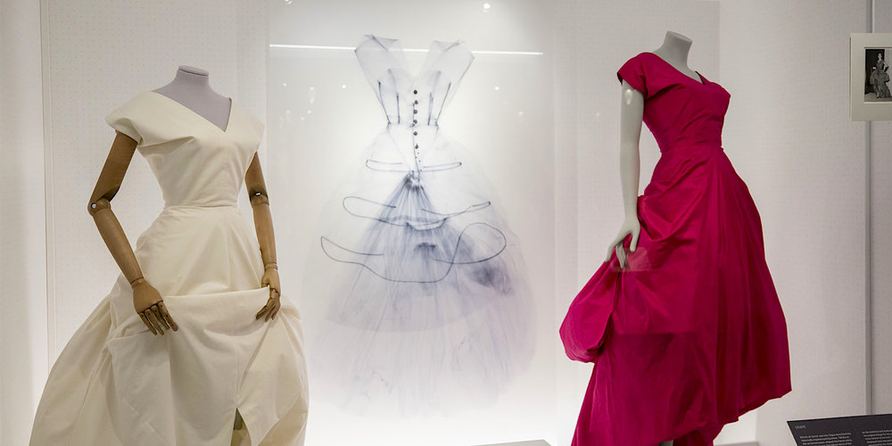 35025882dd78 Balenciaga-Shaping-Fashion-Exhibition-View 1.jpg