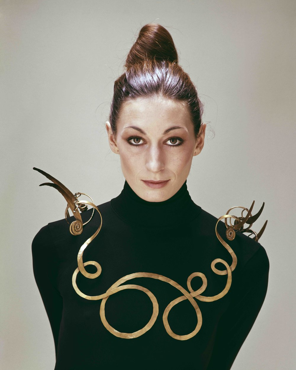 Copyright of Evelyn Hofer Estate_Angelica Houston wearing Alexander Calder.jpg
