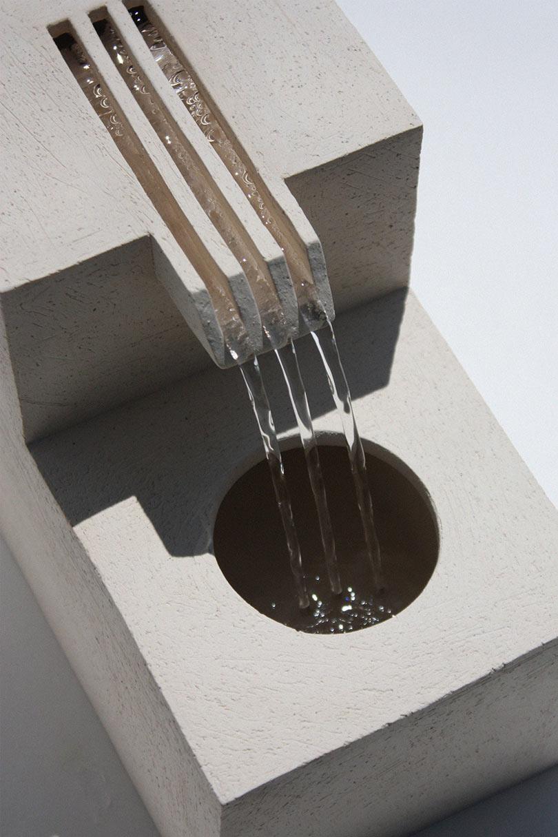 Comb-Fountain-Lily-Clark-2.jpg