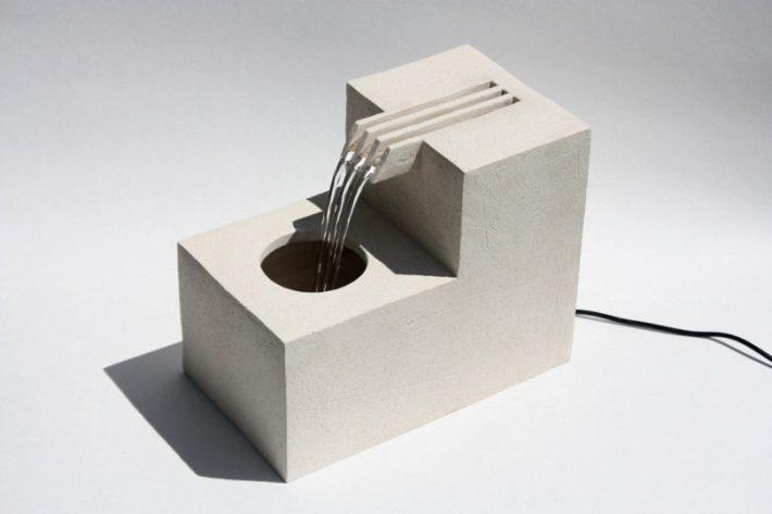 Comb-Fountain-Lily-Clark-1-810x540.jpg