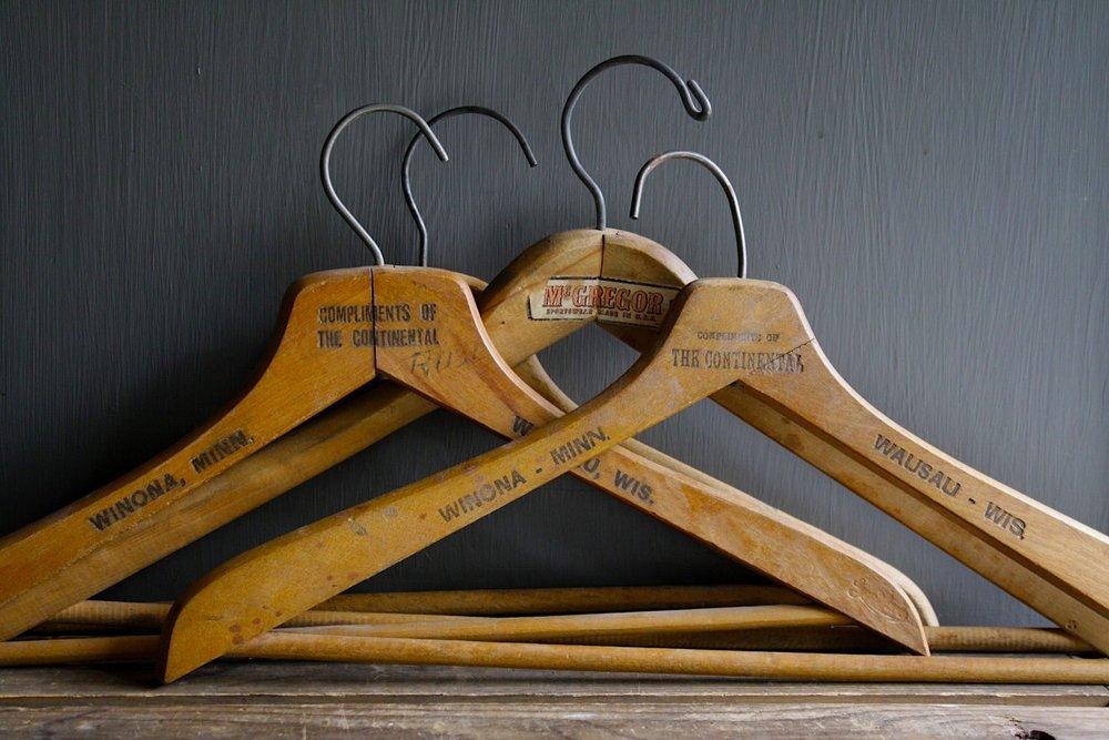 vintage-wooden-coat-hangers-littlebyrdvintage-etsy_294337.jpg