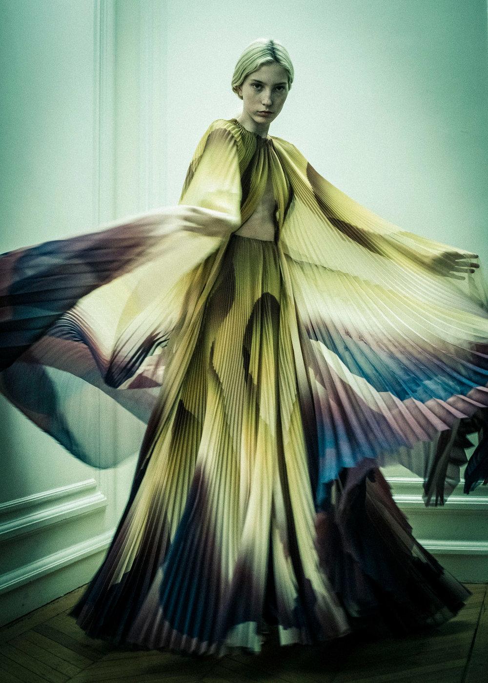 iris-van-herpen-couture-fashion-design_dezeen_2364_col_46.jpg