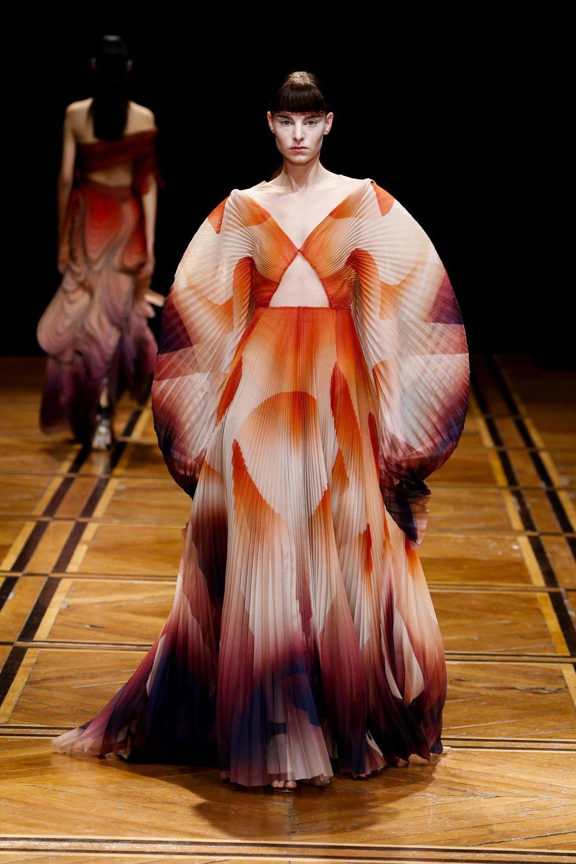iris-van-herpen-couture-fashion-design_dezeen_2364_col_32-1704x2556.jpg
