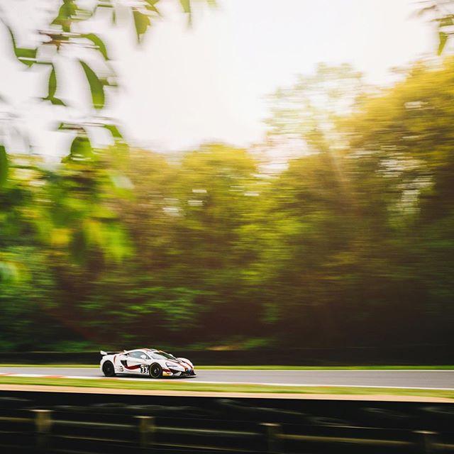 Bullitt Racing at Brands Hatch. . . . .  #brandshatch #bullittracing #stephenpattrick #andymeyrick #race #racecar #gt4 #gt4series #carsofinstagram #mclaren #gt #circuit #570s #mclaren570s #flare #canon #canon5dmkiv #canon35mm #canon70200mm #canon #canonuk #driver #cockpit #driversseat #driving #pirelli #sunflare #motionblur #bokeh #panning