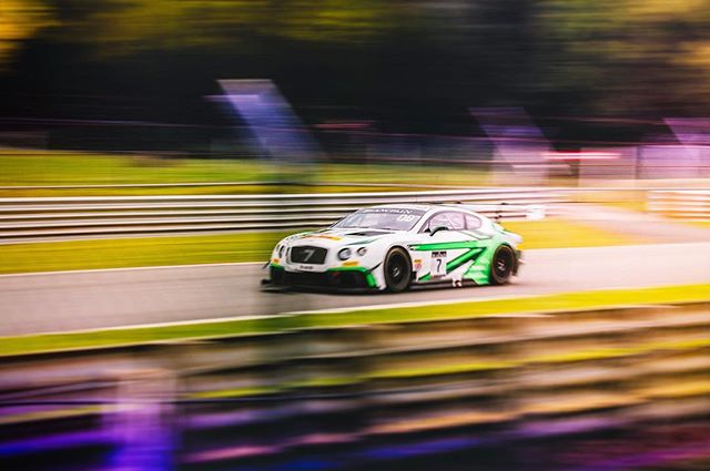 #gt #brandshatch #supercar #blancpaingt #blancpain #motorsport #blur #bokeh #panning #brands #gtracing #racing #england #racetrack #colour #bentley #bentlycontinentalgt #bentleycomms #canonuk #canon #canon5dmkiv