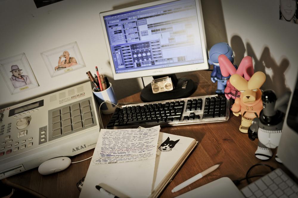 skuff_desk.jpg