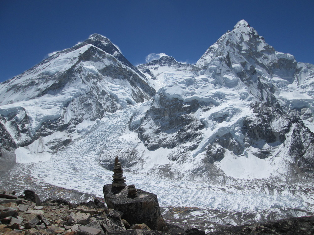 Above: view of Everest, Lhotse and Nuptse (L to R) from the slopes of Pumo Ri