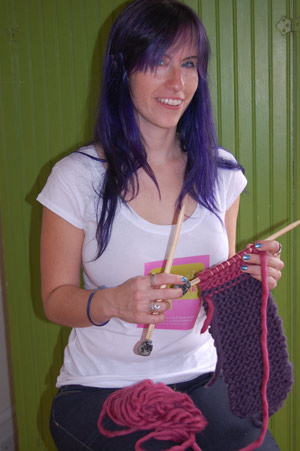 Hannah-Knitting---300.jpg