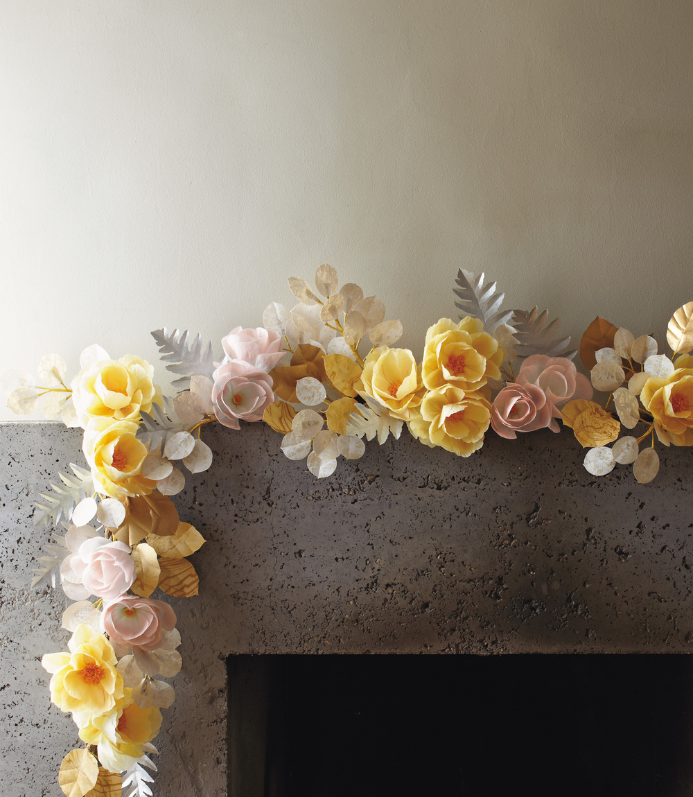 Winter Garland from p. 155 of Livia Cetti's  The Exquisite Book of Paper Flowers