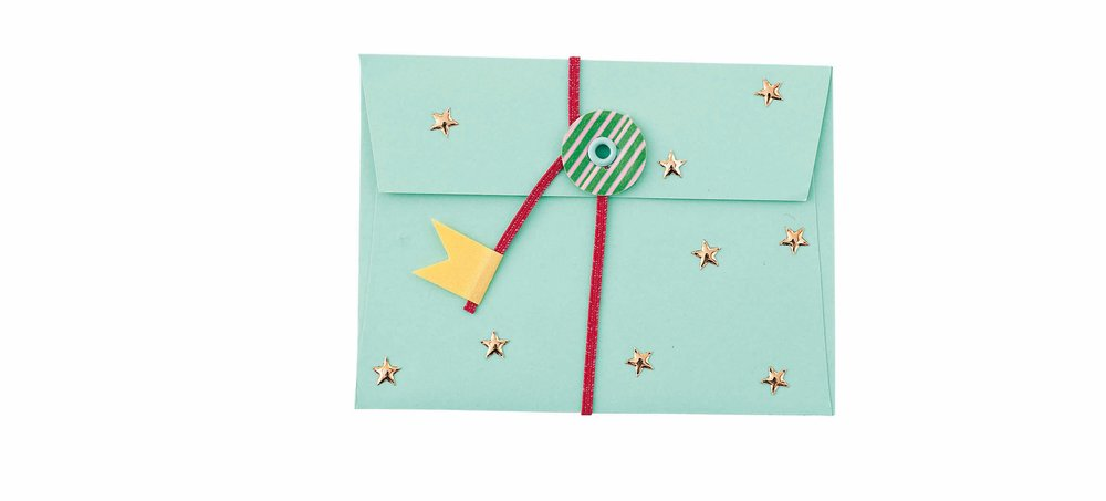 Eyelet circle-closure envelopes