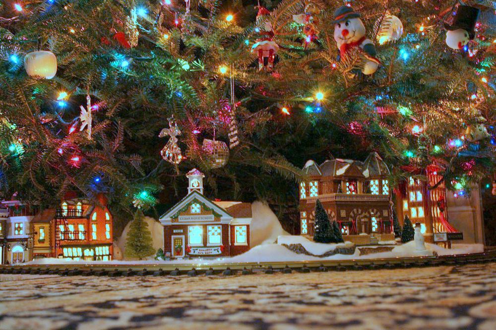 1-Christmas village.jpg