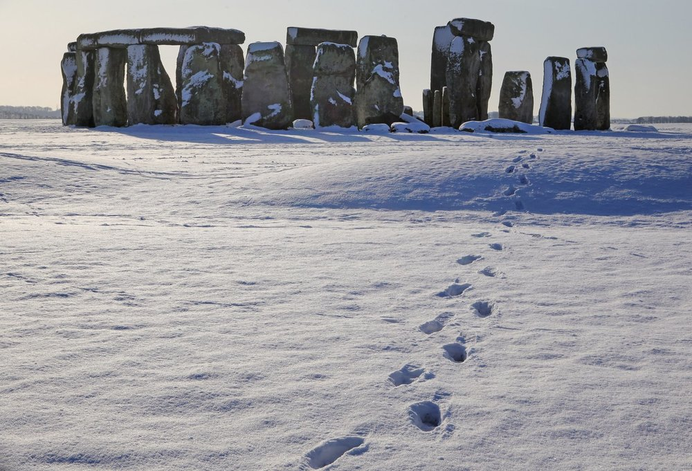 3-Stonehenge-Winter.jpg