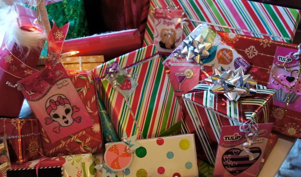 9-Christmas-Gifts.jpg