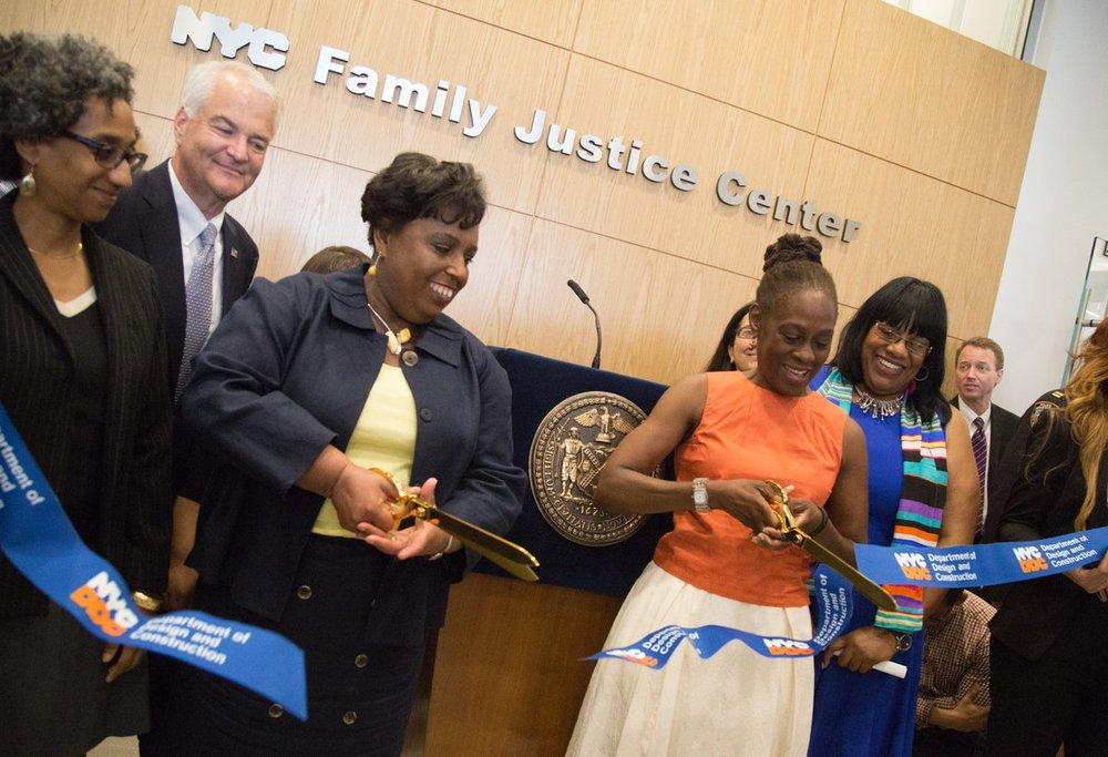 First Lady Chirlane McCray cuts the ribbon and officially opened the Staten Island Family Justice Center