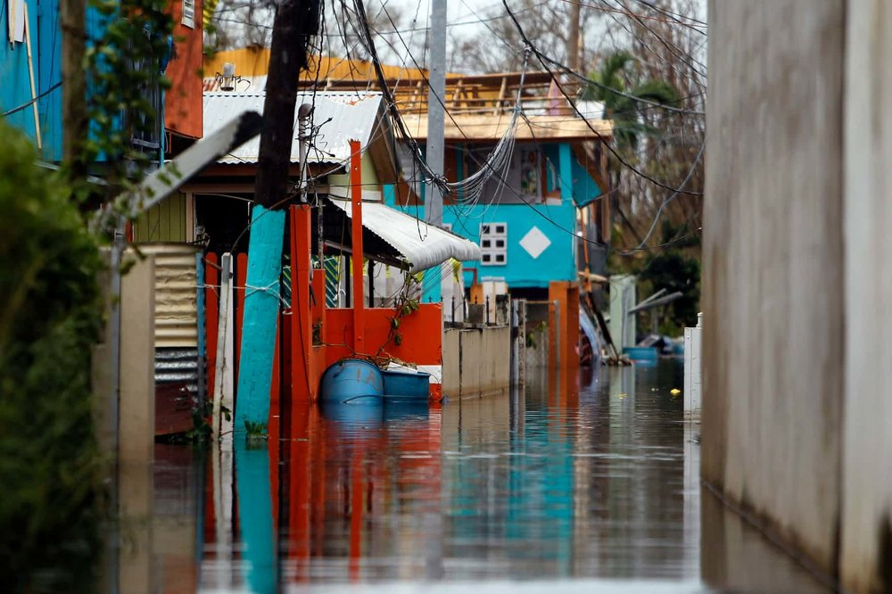 Partially flooded houses in Cataño - Photo Ricardo Arduengo.