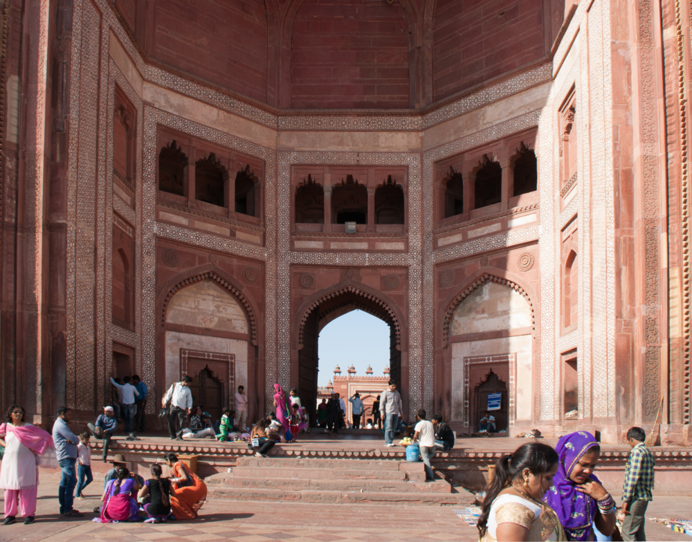Gateways being used as spatial dividers at Fatehpur Sikri in Uttar Pradesh, India and the Taj Mahal in Agra, India.