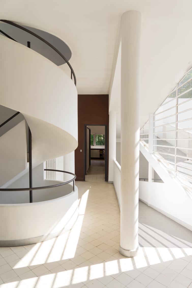 villa savoye interior w stair .jpg