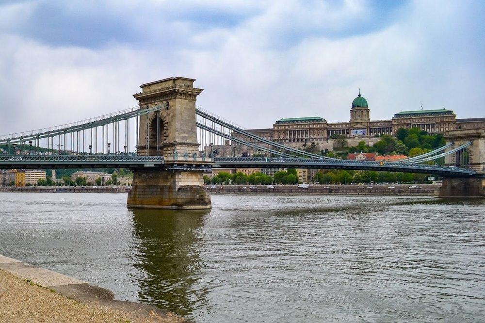Danube_River_Budapest_Hungary.jpg