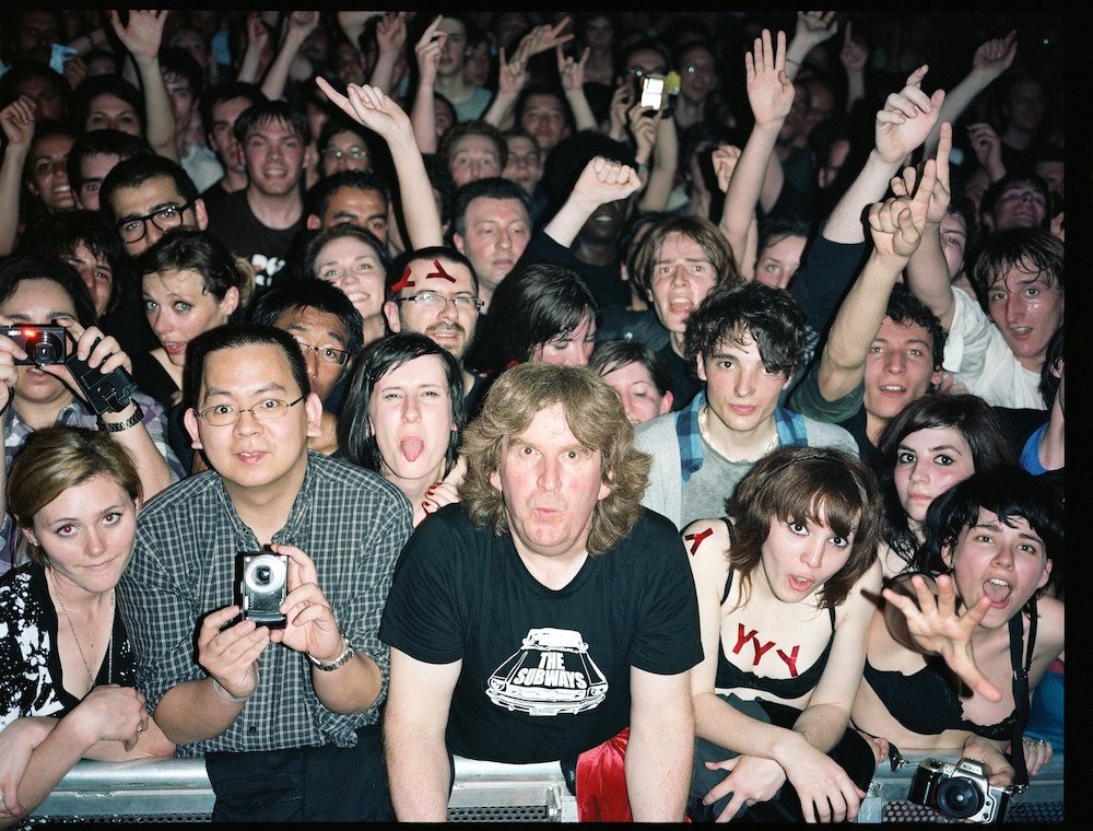 Paris Crowd, April 2009
