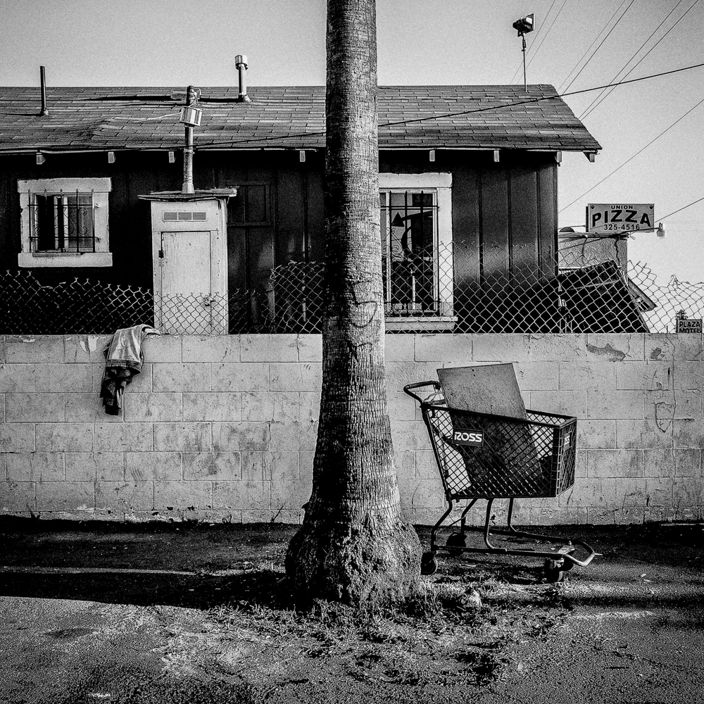 Shopping Cart. Bakersfield, CA.   Inquire about this image