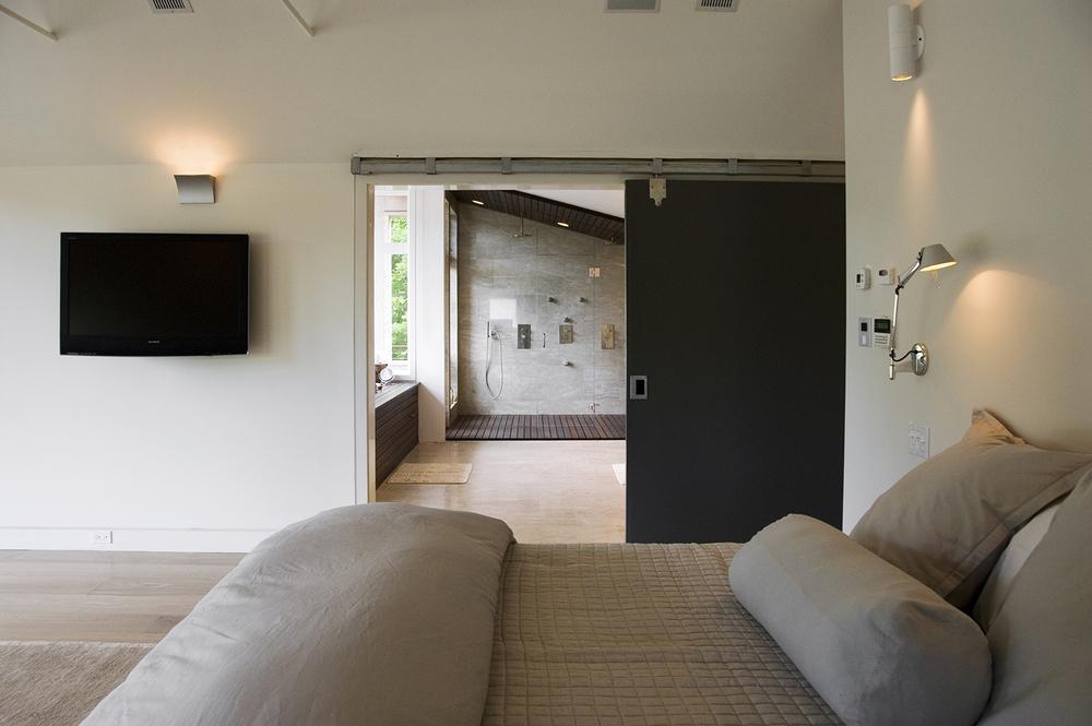 01_McGhee Hill Residence _Guest Bedroom.jpg