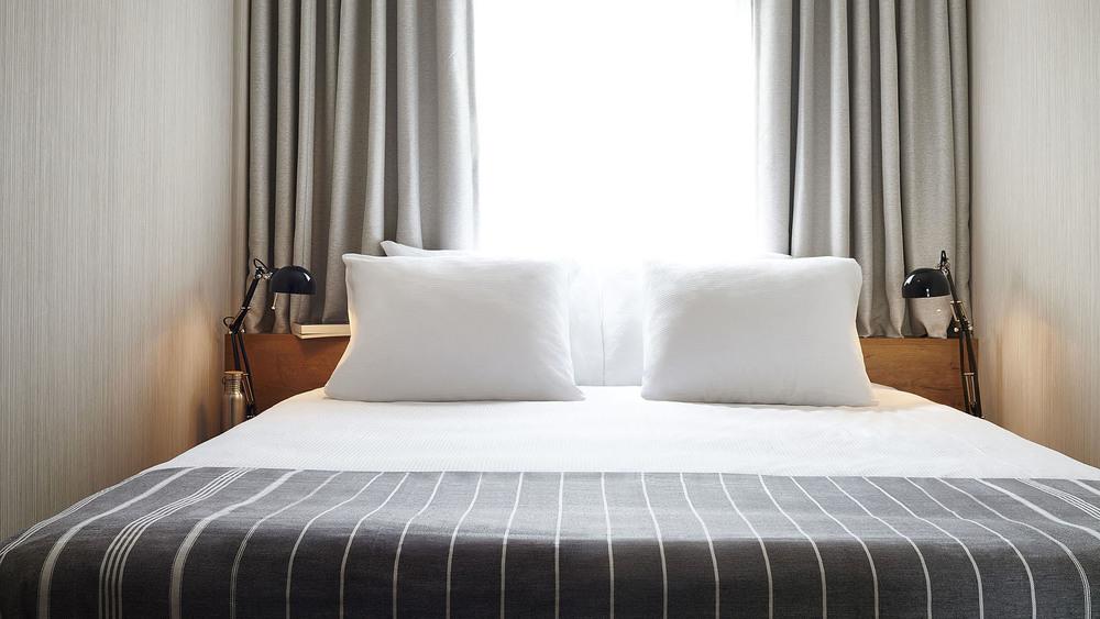 Good Hotel Amsterdam - Double bed-webFS.jpg