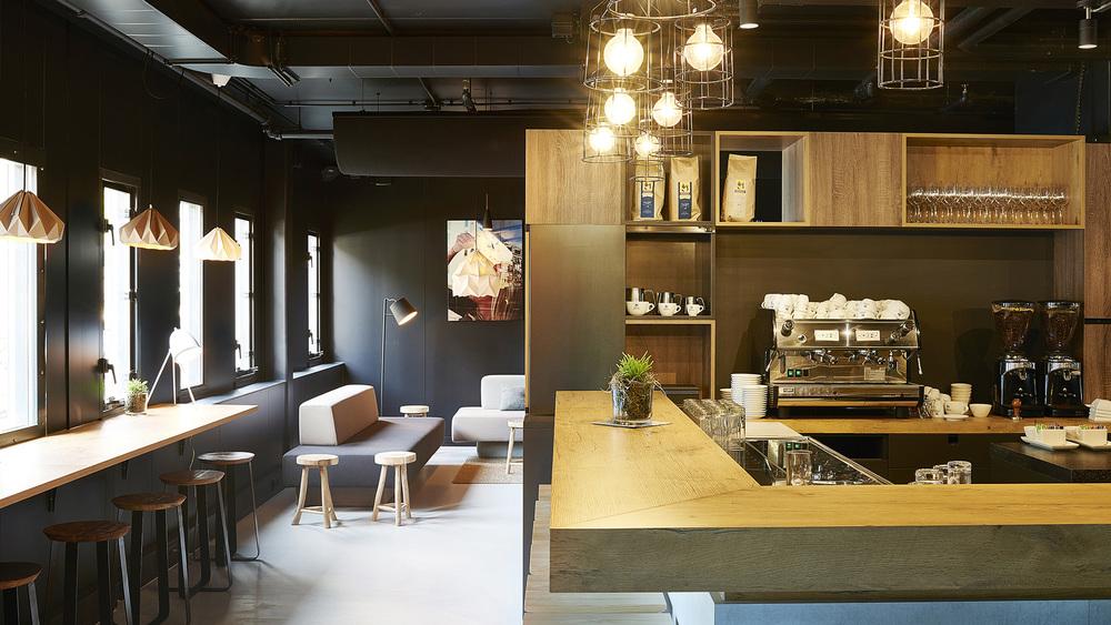 Good-Hotel-Amsterdam-Food-Beverage-Coffee-Bar_253.jpg