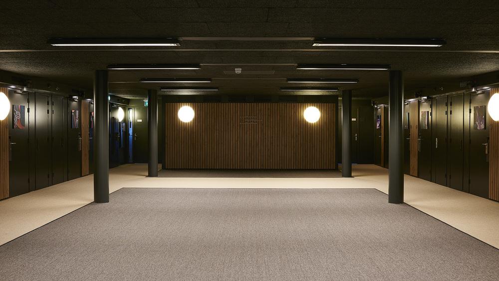 Good-Hotel-Amsterdam-Corridor_530.jpg