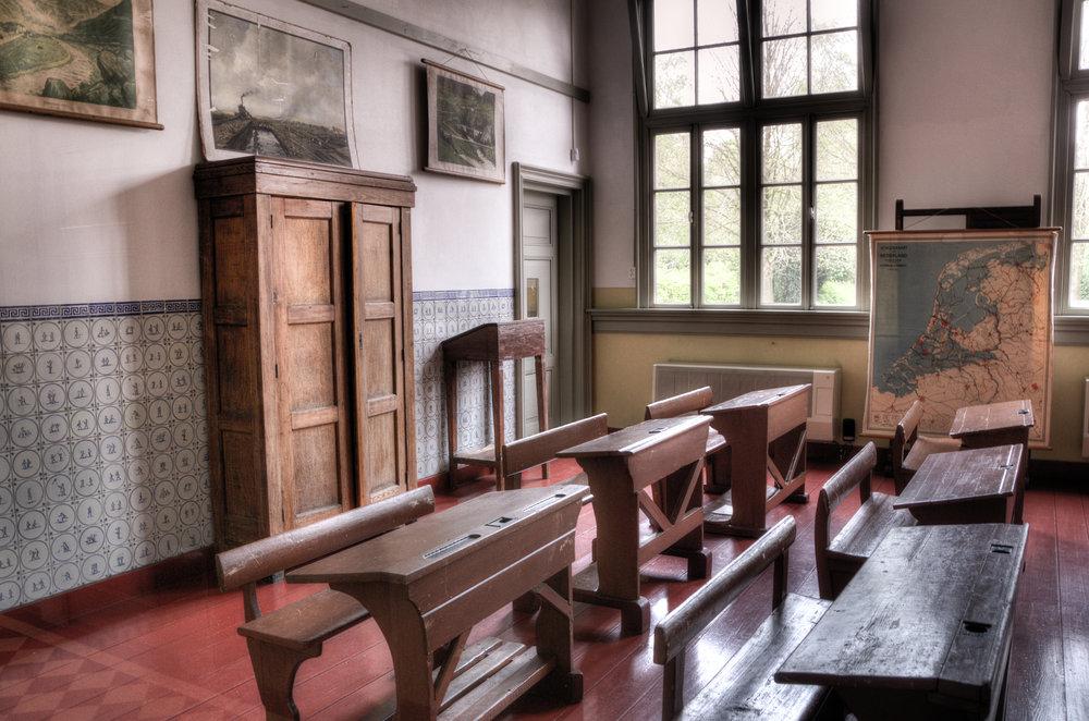 wood-houses-school-old.jpg