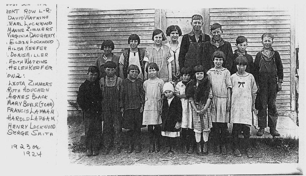 Foust School 1923-24.jpg