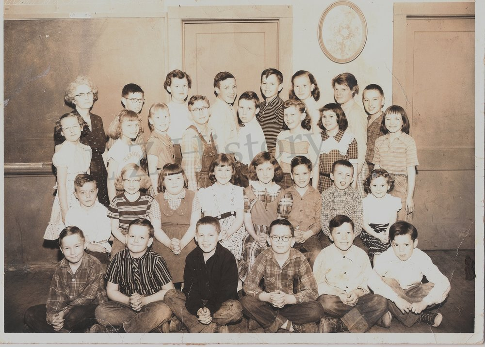 S4-Adams School, Chuck 2nd from L on floor, Andy 5th from L top row wm.jpg