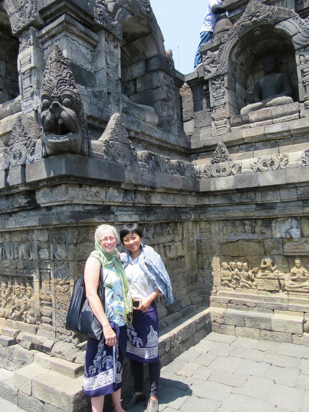 g_Borobudur_Me & Thu.jpg