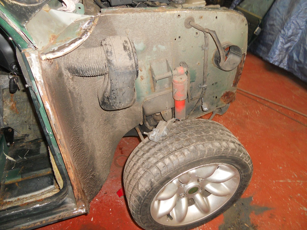 Mini Cooper MPI With Wheel Arch Removed