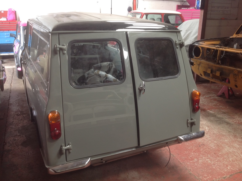 TRMC_Classic_mini_Van_Rear_doors