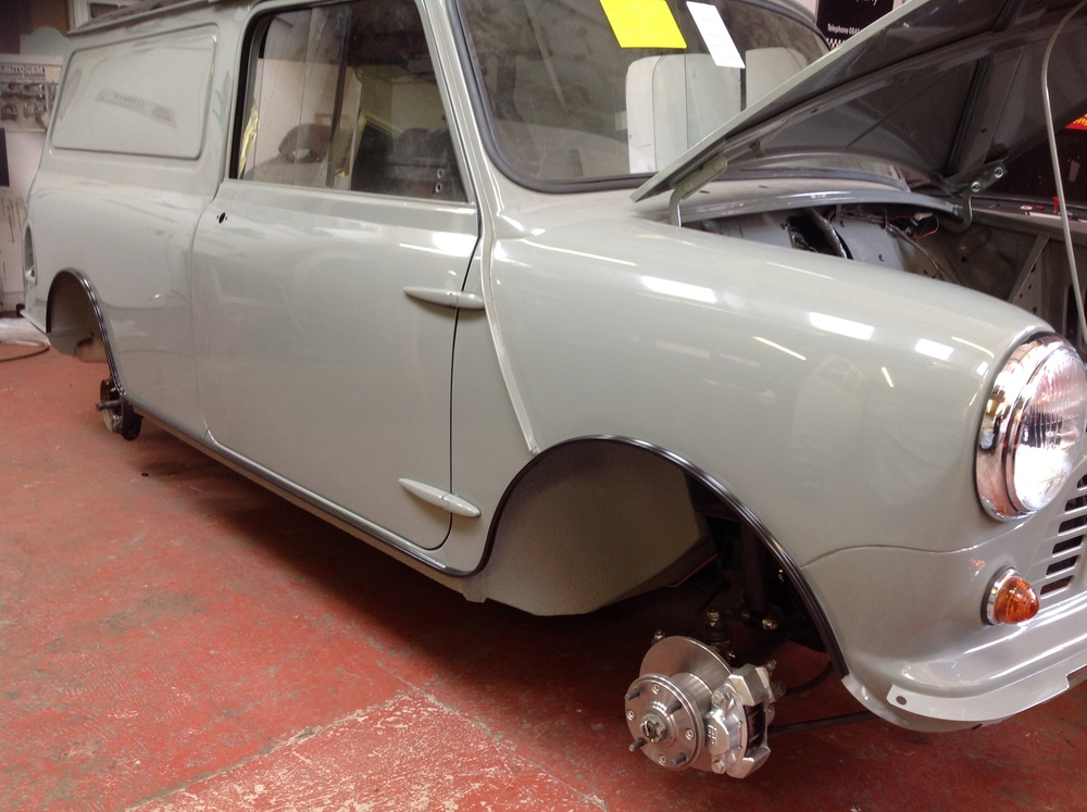 TRMC_Classic_Mini_Van_Bonnet_Up