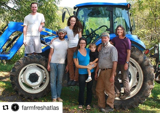We are so lucky to be part of such a vibrant local food community ❤🚜🍅#Repost @farmfreshatlas ・・・ Using the atlas helps you support your local economy and food community. Each farm listed is either cooperatively or family-owned, and sells Wisconsin products that they have grown or helped produce on their farm. 📷: @vermontvalleycommunityfarm. 🚜 #wisconsinfarm #farmlife #familyfarm #wisconsin #farmfresh #foodcommunity