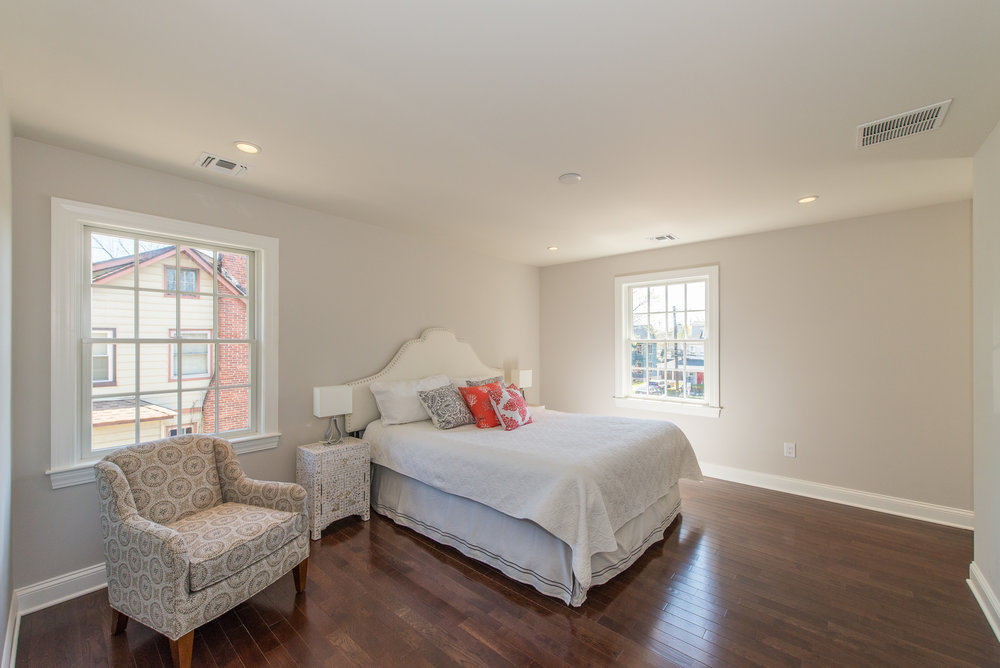 Master Bedroom with walk-in closet/ master bath to the right