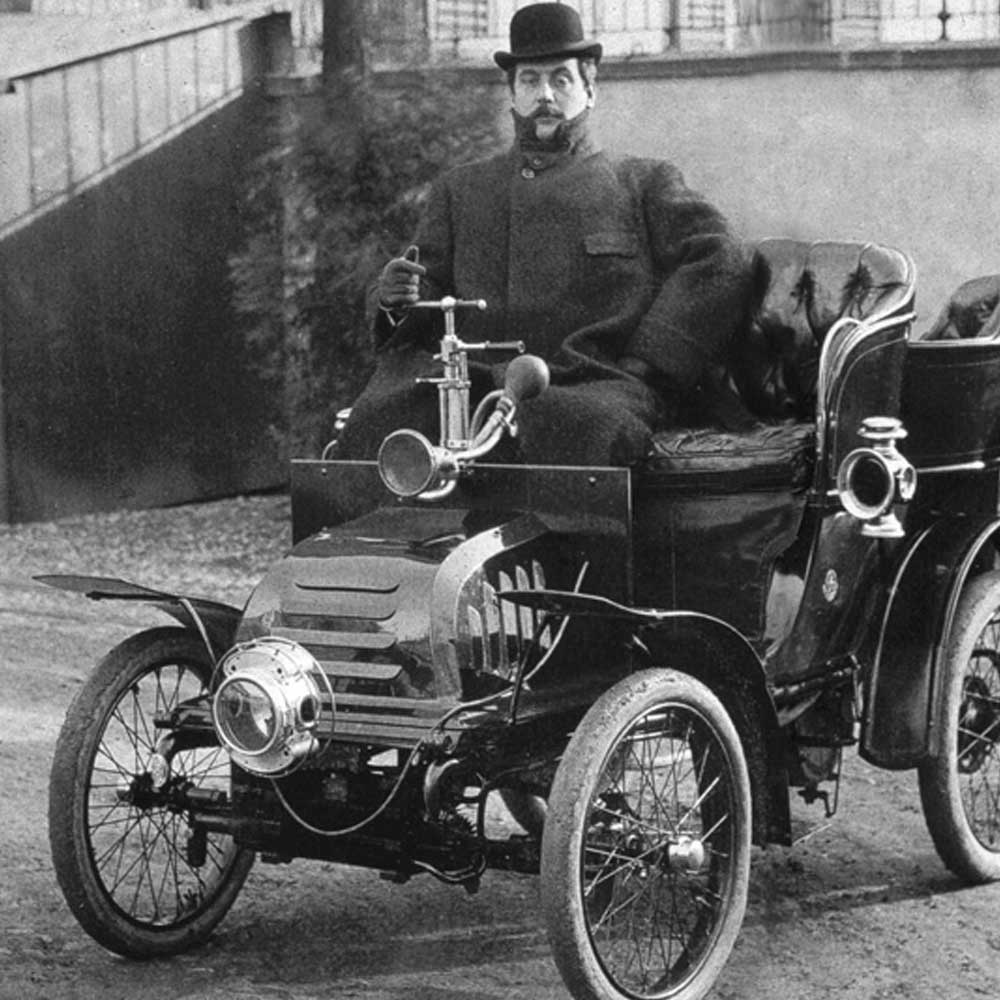 Puccini in his Car